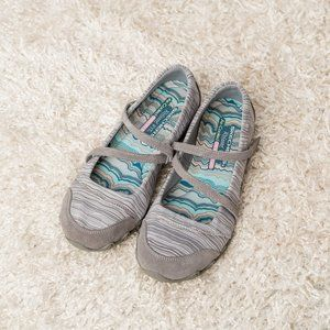 Sketchers Relaxed Fit Mary Jane Bikers - Size 9